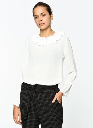 Koton Yakası Volanlı Bluz Beyaz